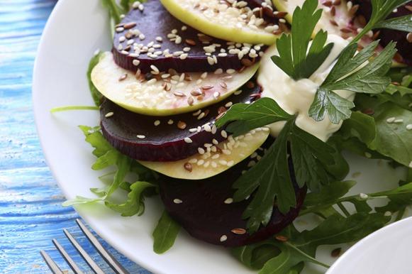 Salada de beterraba com maçã verde