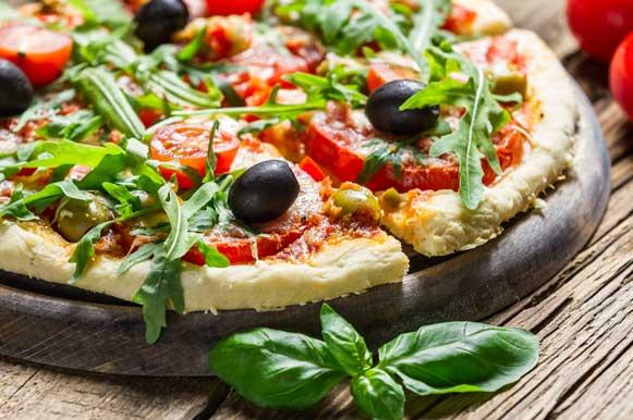 Prepare um molho de tomate caseiro para a sua pizza integral