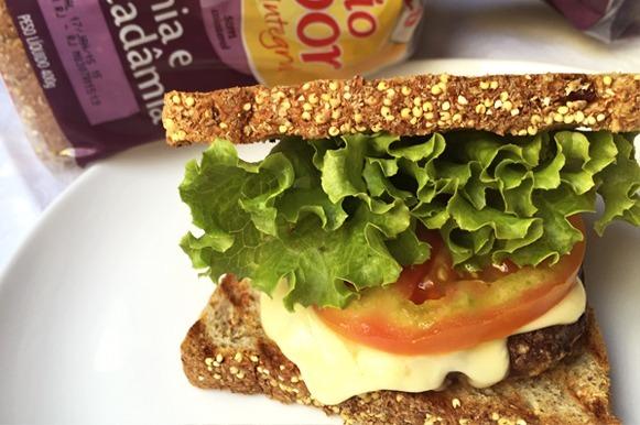 Sanduíche de hambúrguer saudável